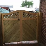 Joiner gate chevron style trellis top